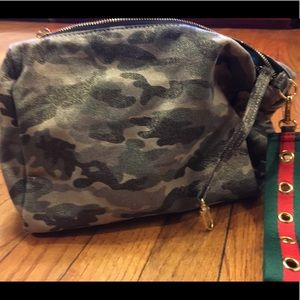 Camouflage Clutch with attachment for keys